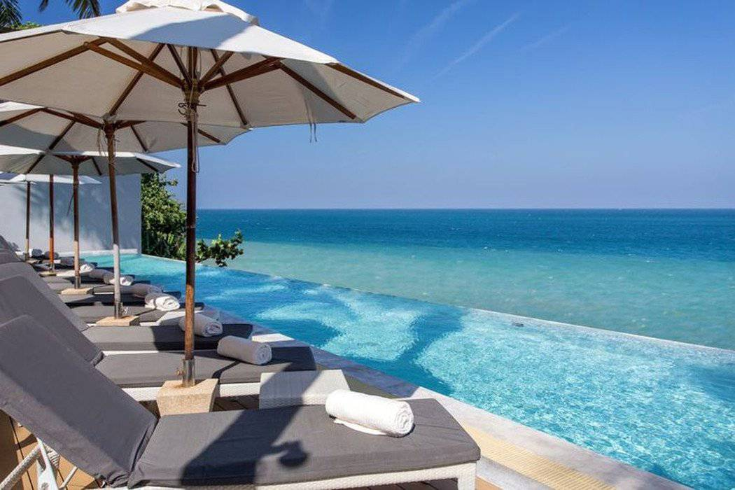 Sienna rocks cafÉ & pool club by the sea cape sienna phuket gourmet hotel & villas